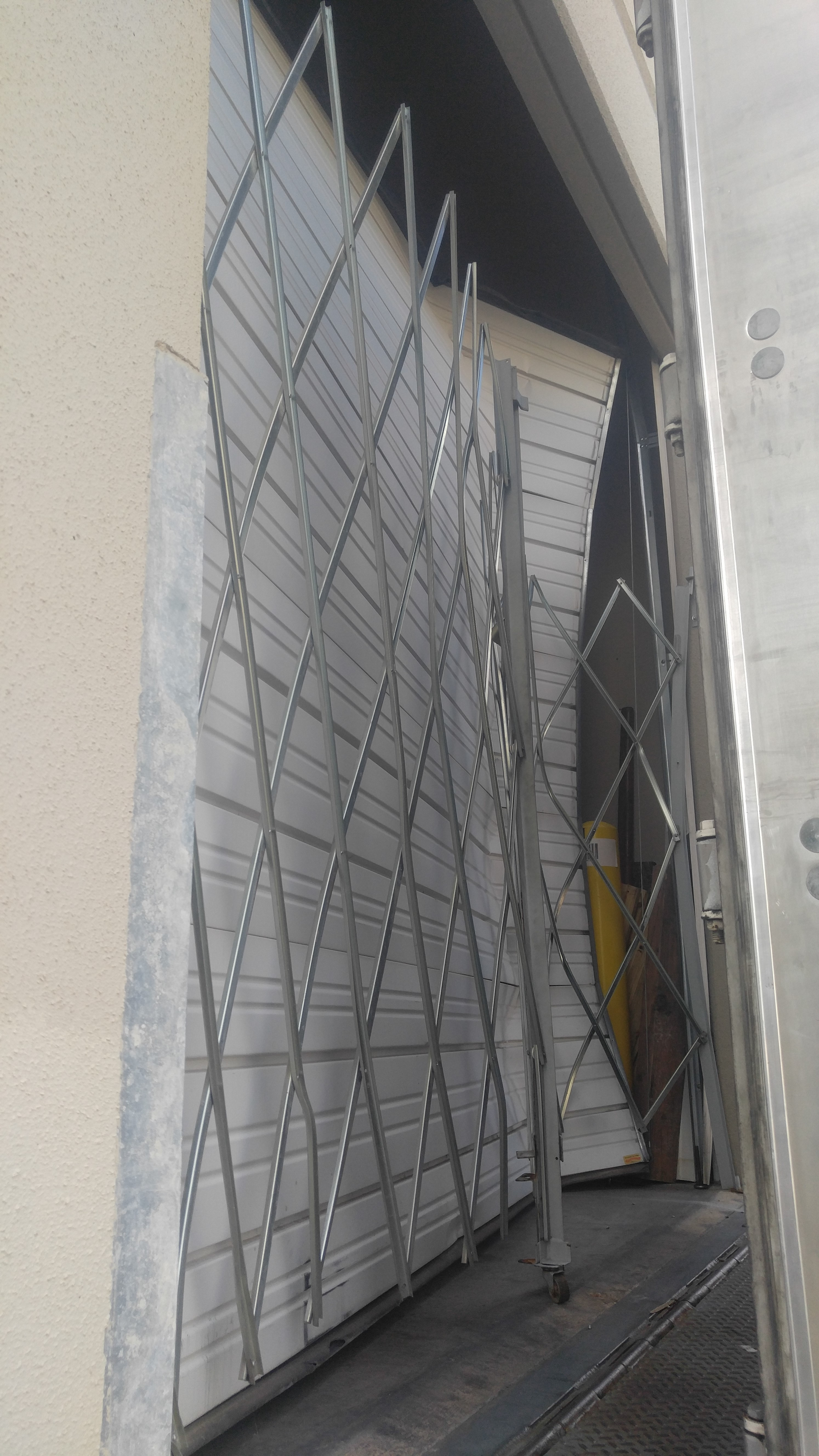 hinges enter mbgqc construction image here stack home questions door broken description garage improvement